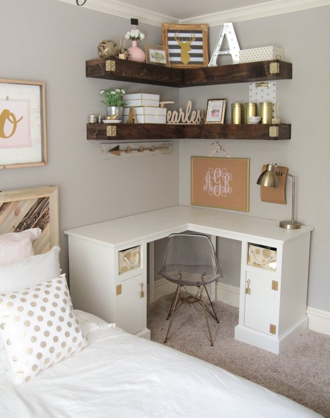diy-corner-shelves-bedroom